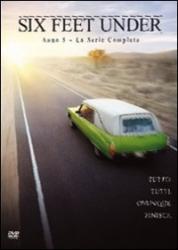 Six Feet Under. Stagione 5; principali interpreti: Peter Krause, Michael C. Hall, Frances Conroy, Lauren Ambrose